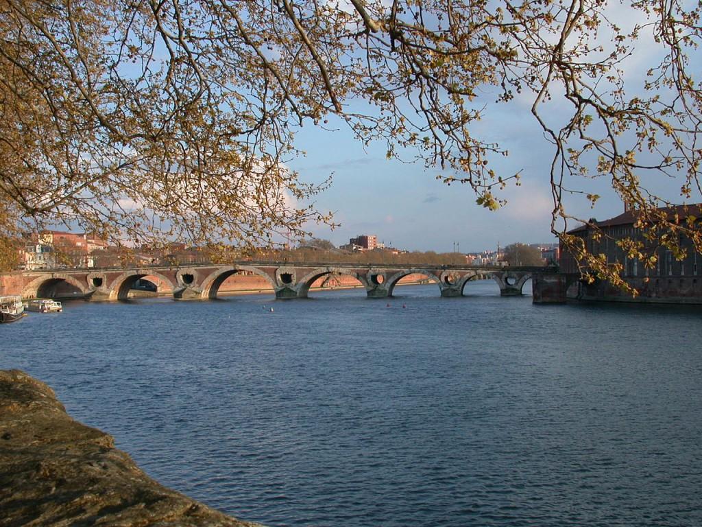 1280px-Garonne_Toulouse