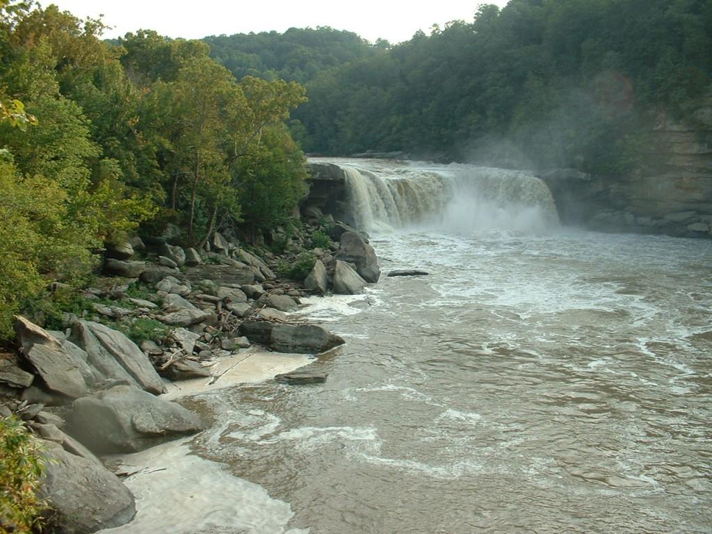 Cumberland_Falls[1]