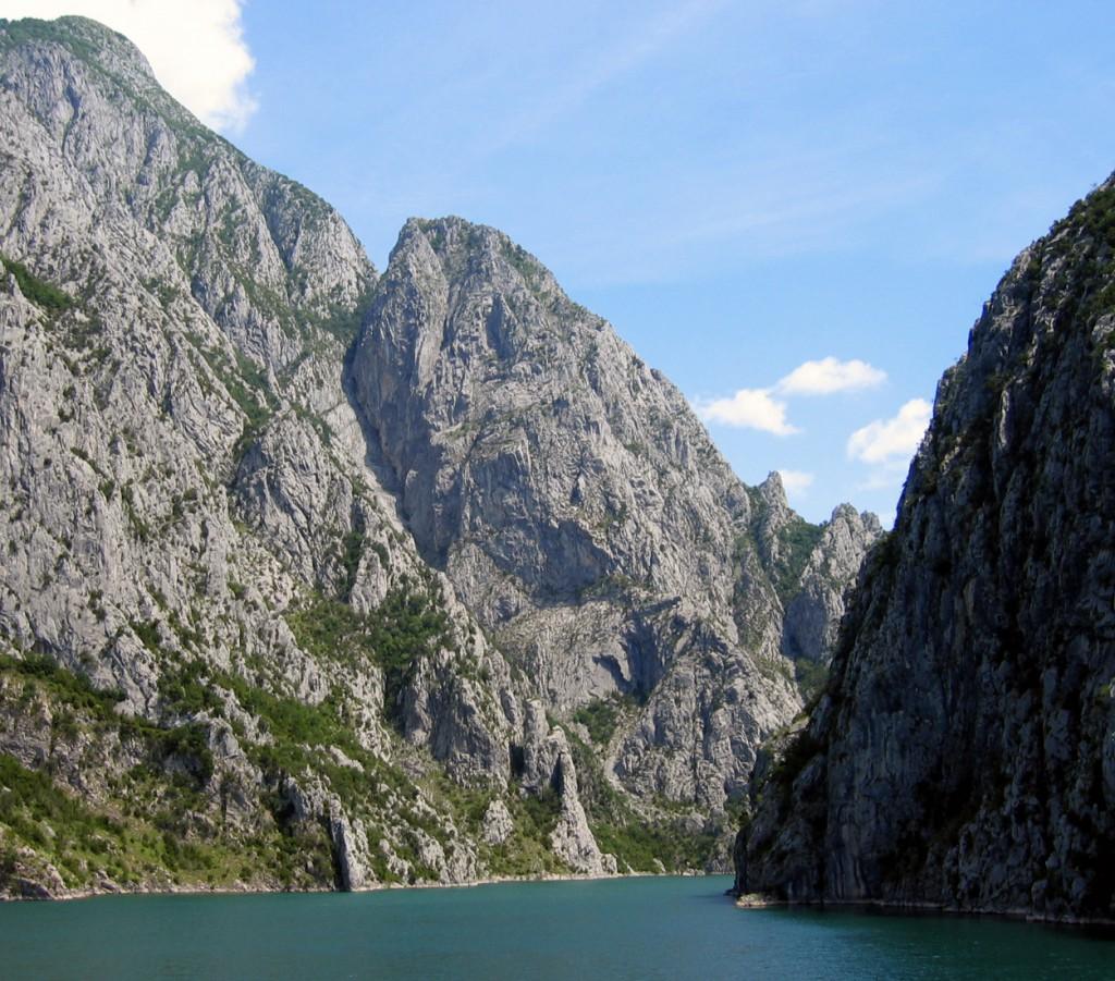 Lake_Koman