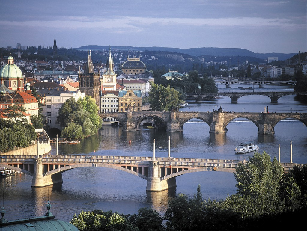 Prague_bridges[1]