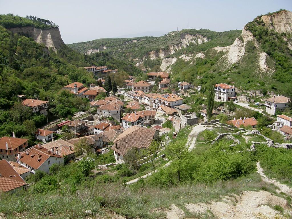 1280px-Melnik_panorama[1]