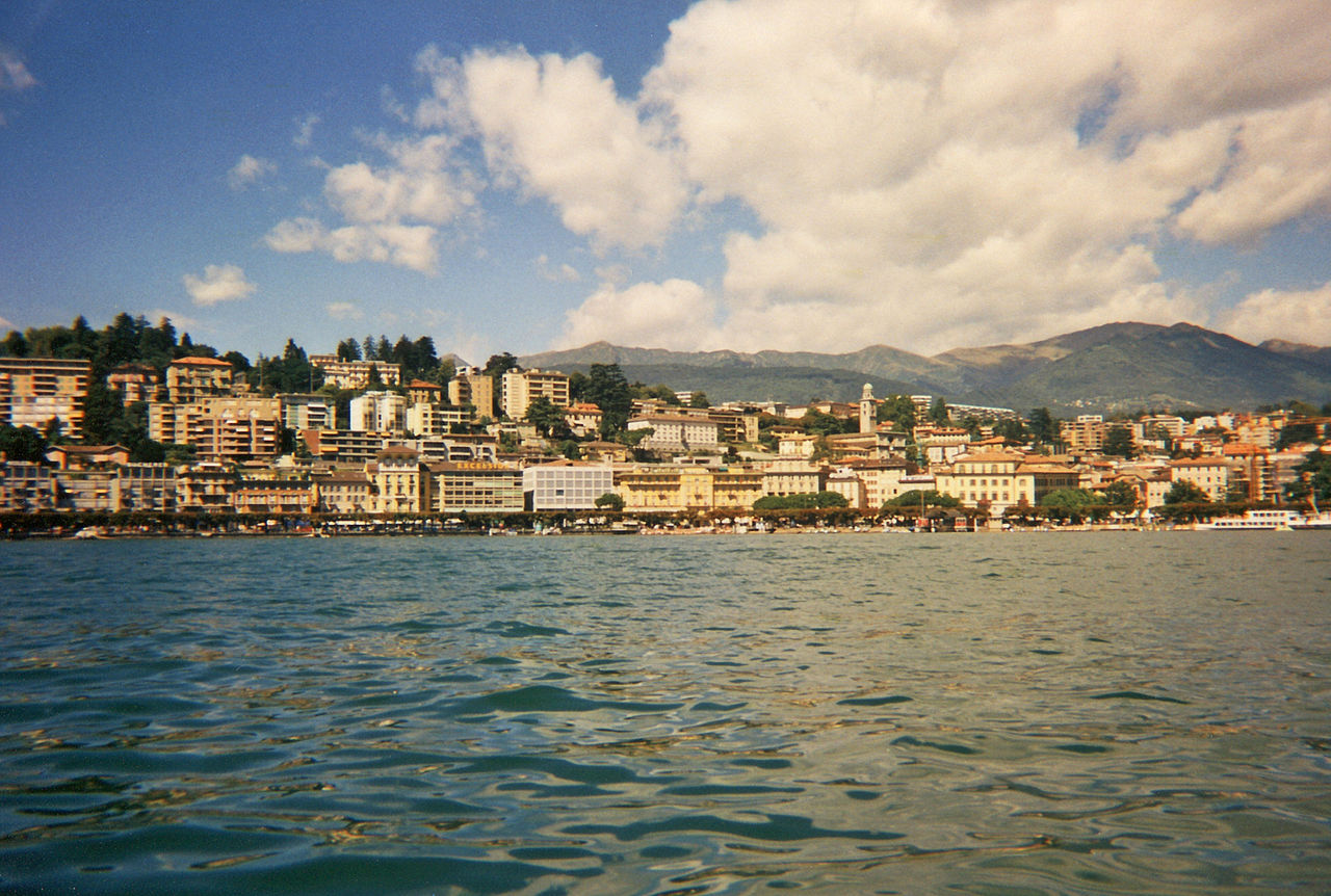 1280px-Lugano_CH_08-1998_AS_01