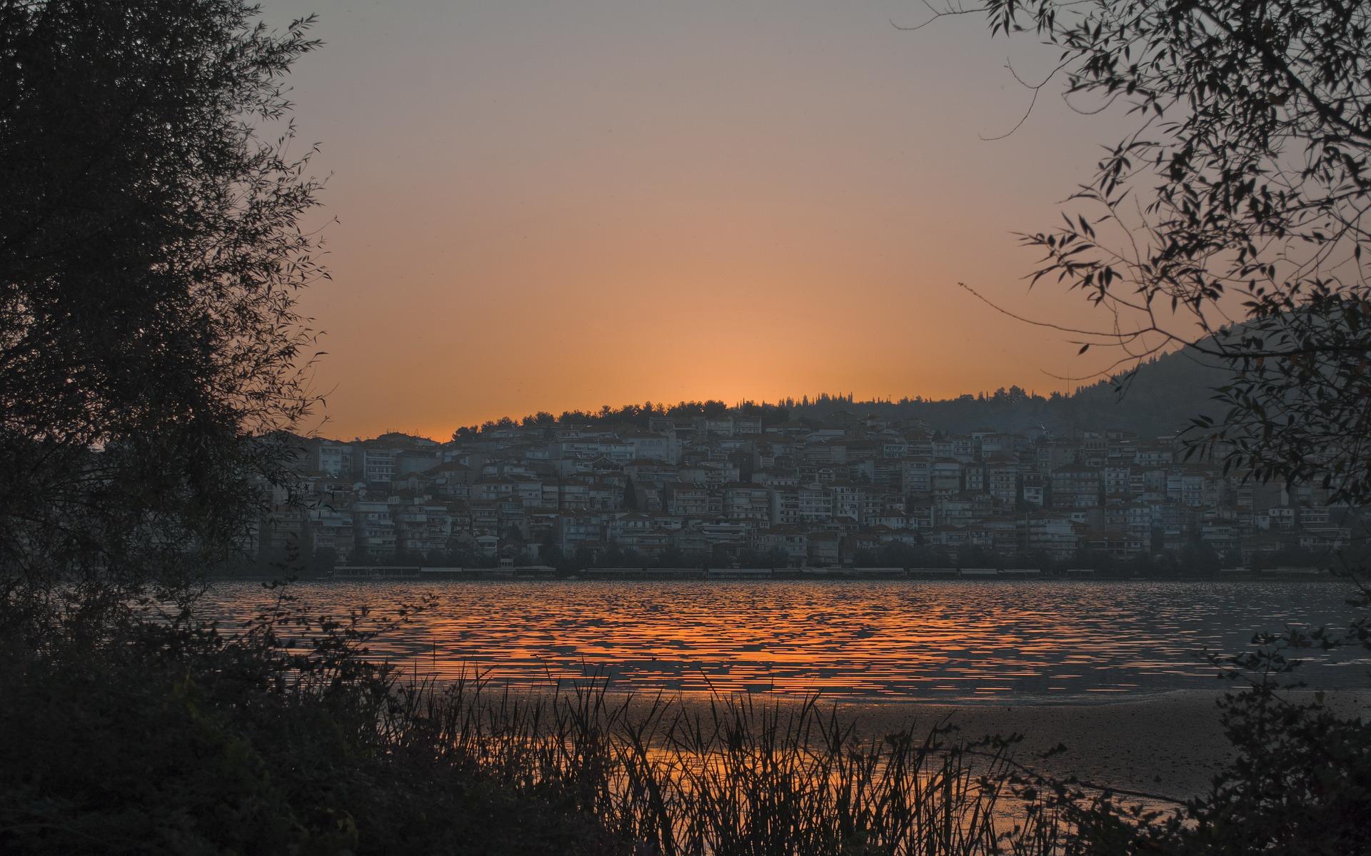 lake-1562782_1920
