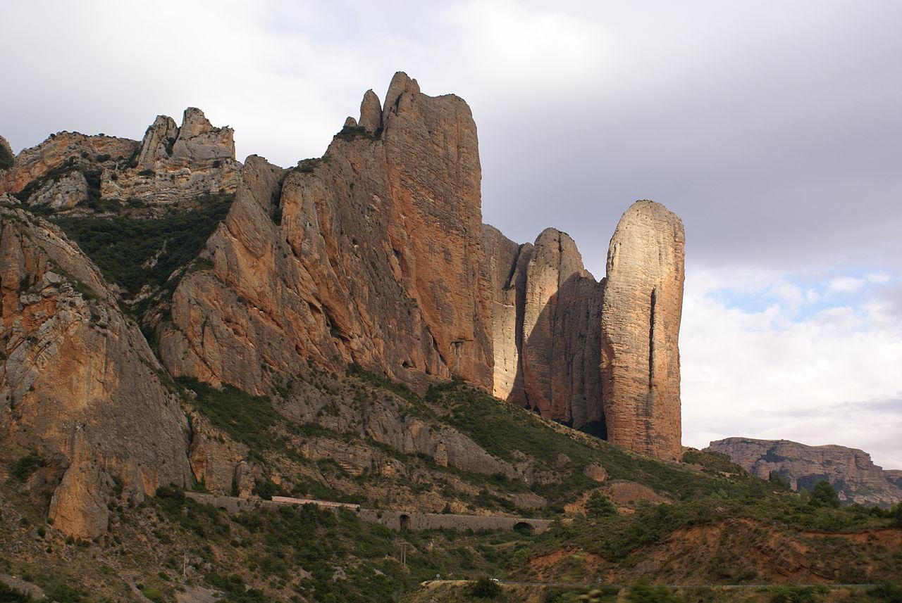 1280px-Mallos_Riglos_Huesca