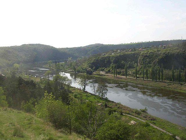 640px-Vltava_River_from_Levy_Hradec_CZ