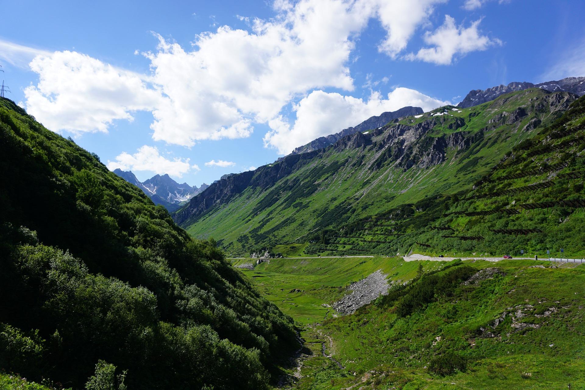 Die Grenze zu Italien, der Brenner. Der Pass ist einer der wichtigsten Verkehrsknotenpunkte nach Italien.