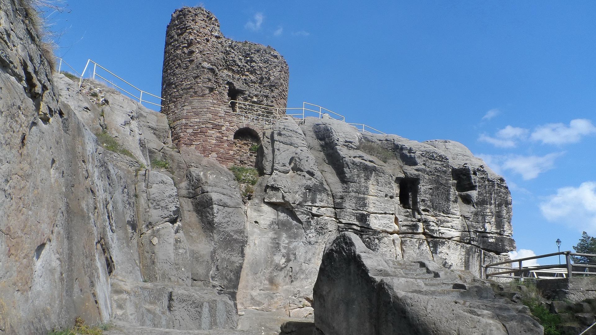 castle-1238023_1920