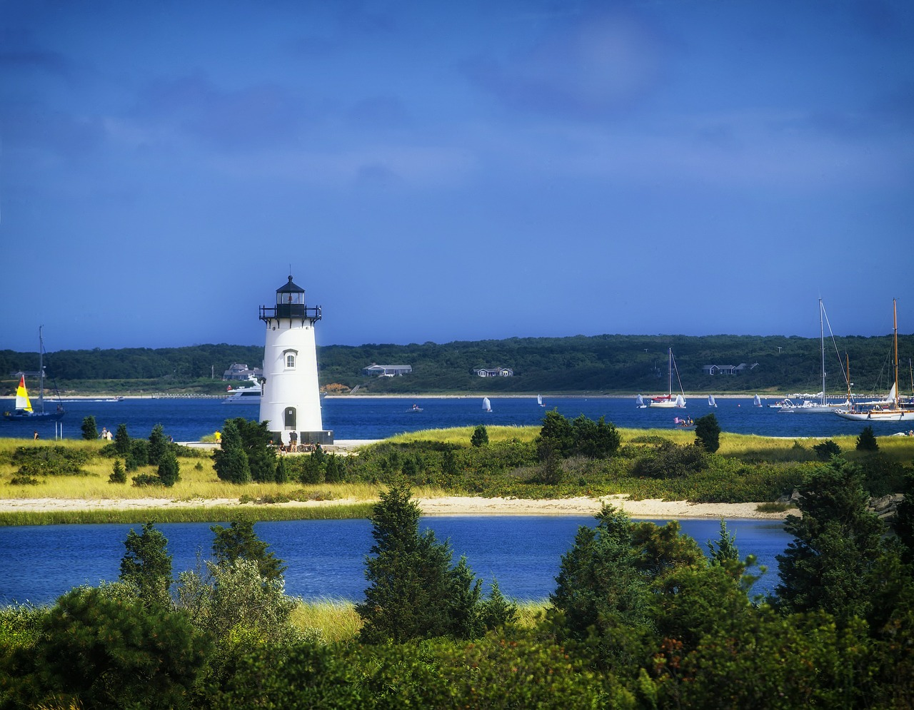 edgartown-light-station-404176_1280