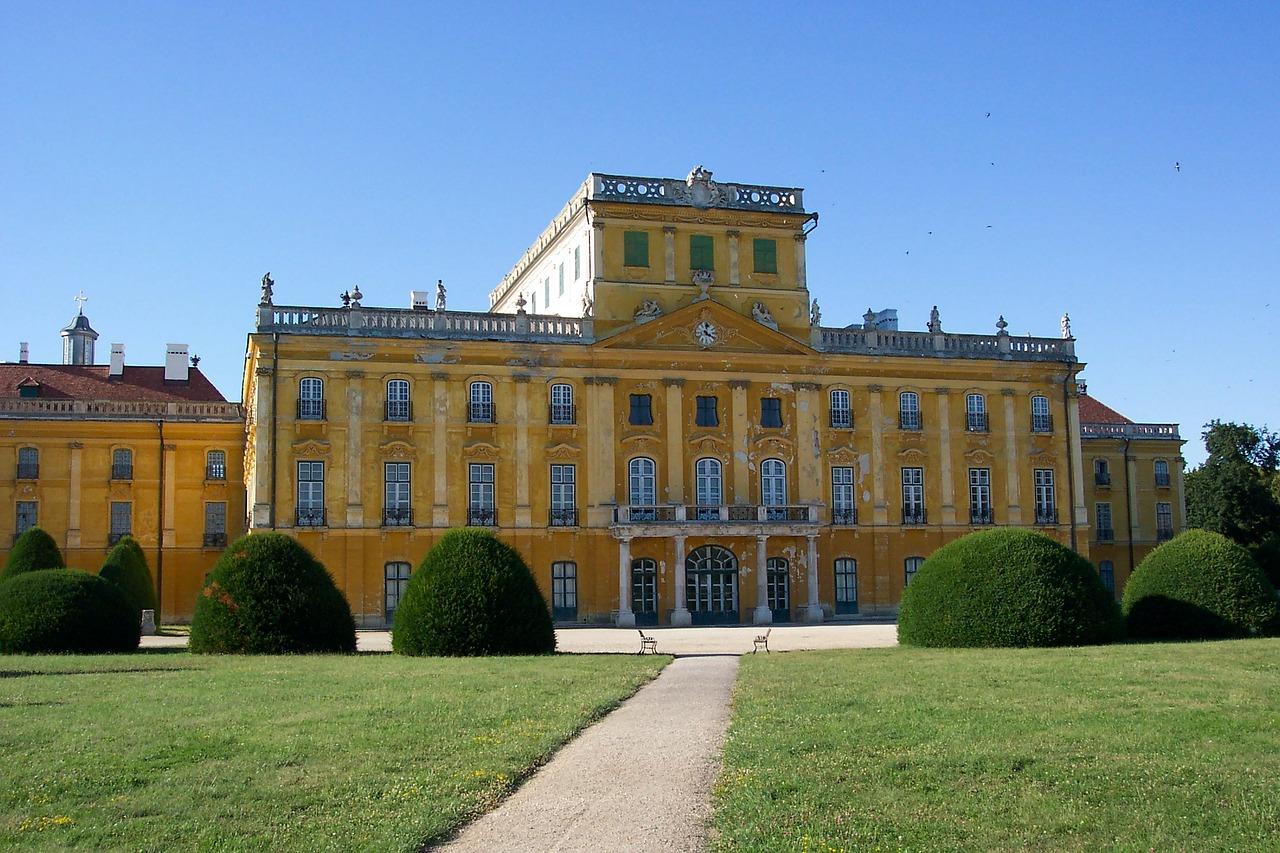 esterhazy-palace-89510_1280