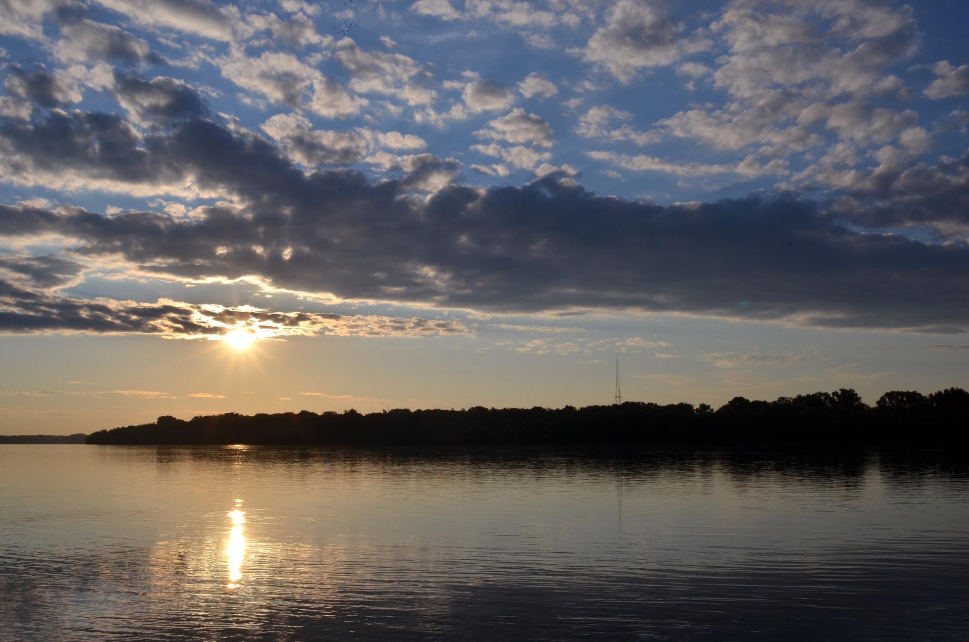 sunrise-1401829_1920