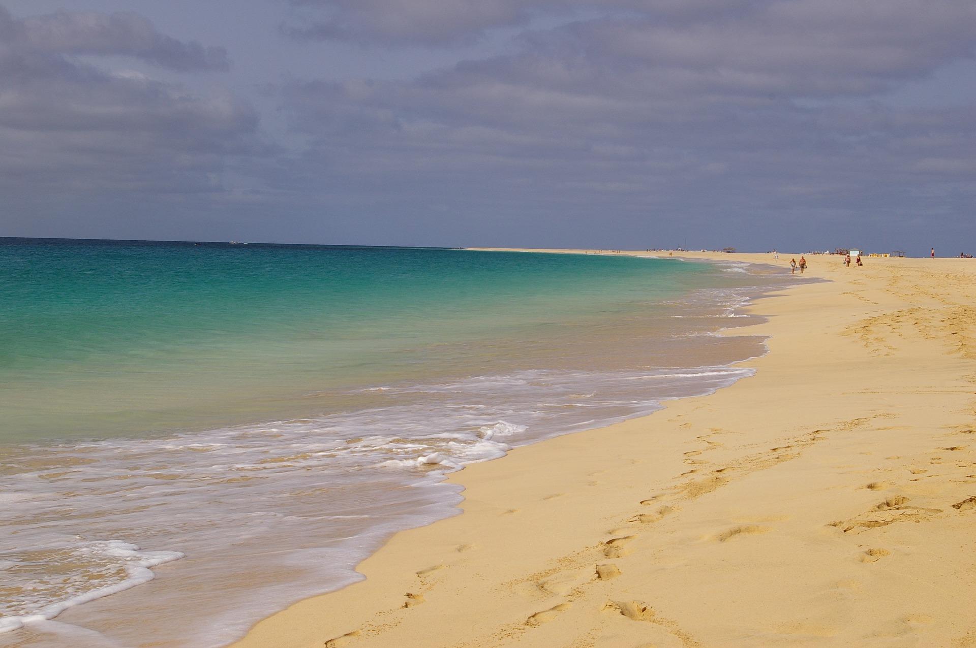 beach-353914_1920