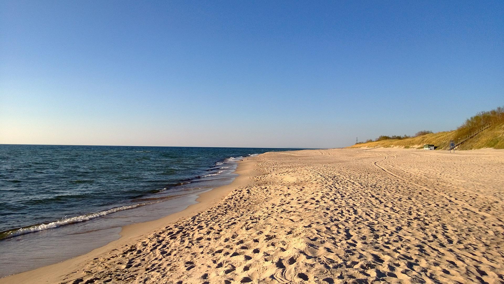 beach-429749_1920