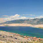 Blick von Pag auf das Velebit-Gebirge