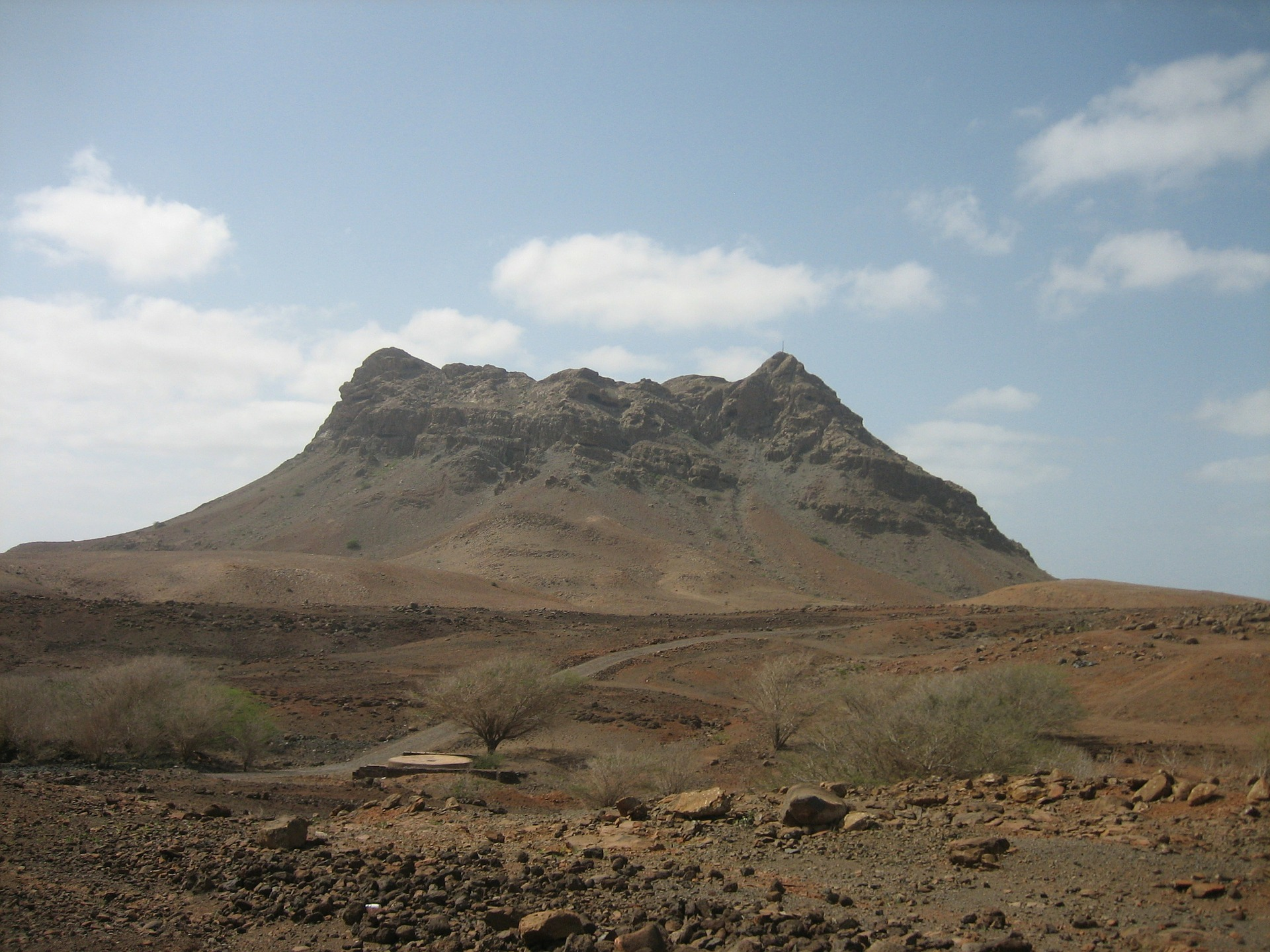 mountain-69623_1920