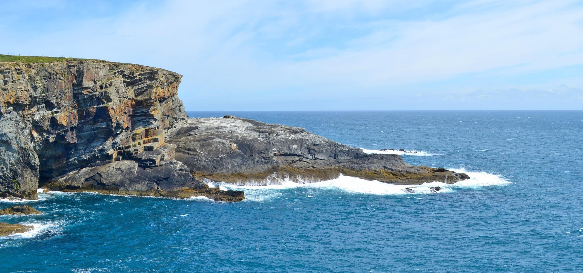 cliff-1477919_1920
