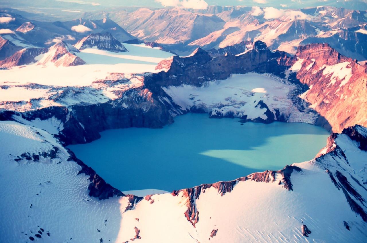 dormant-volcano-1056349_1280