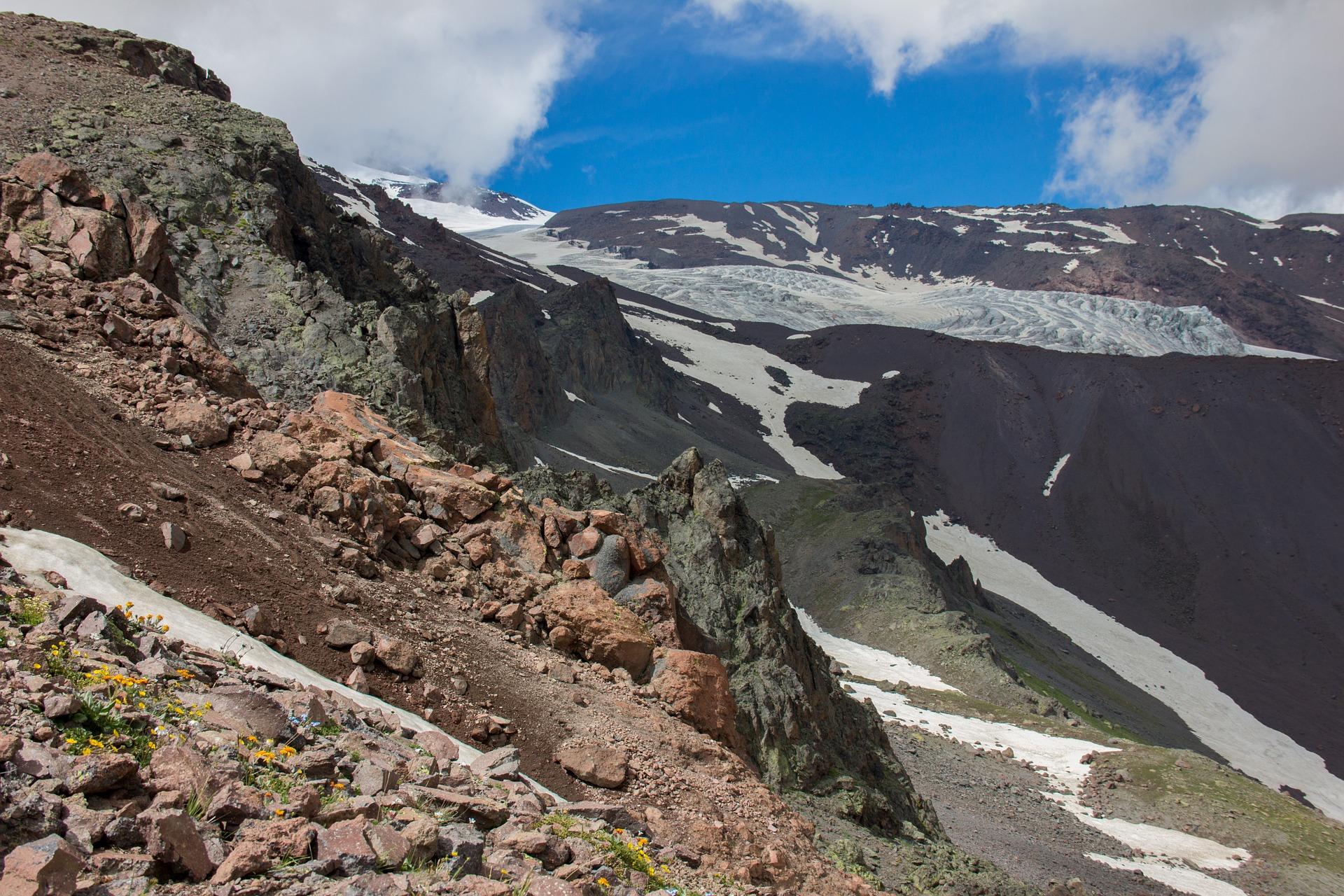 elbrus-region-854227_1920