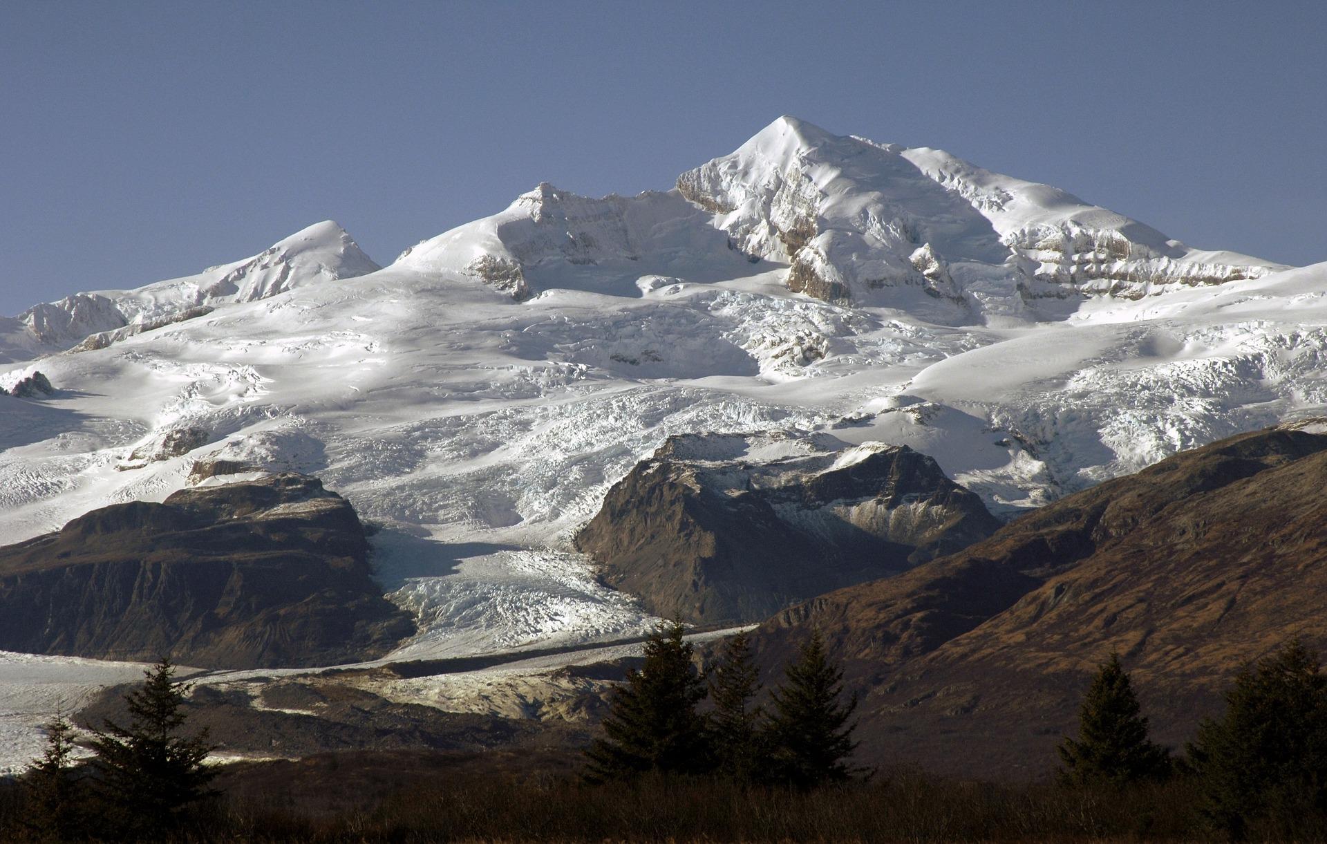 mountain-1159271_1920