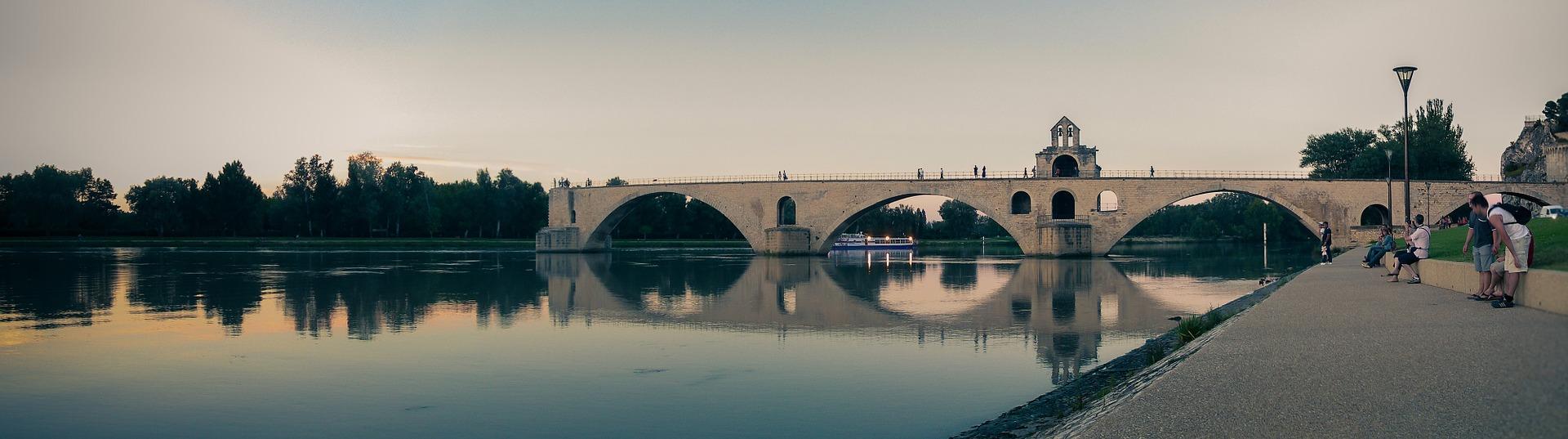 bridge-1236185_1920