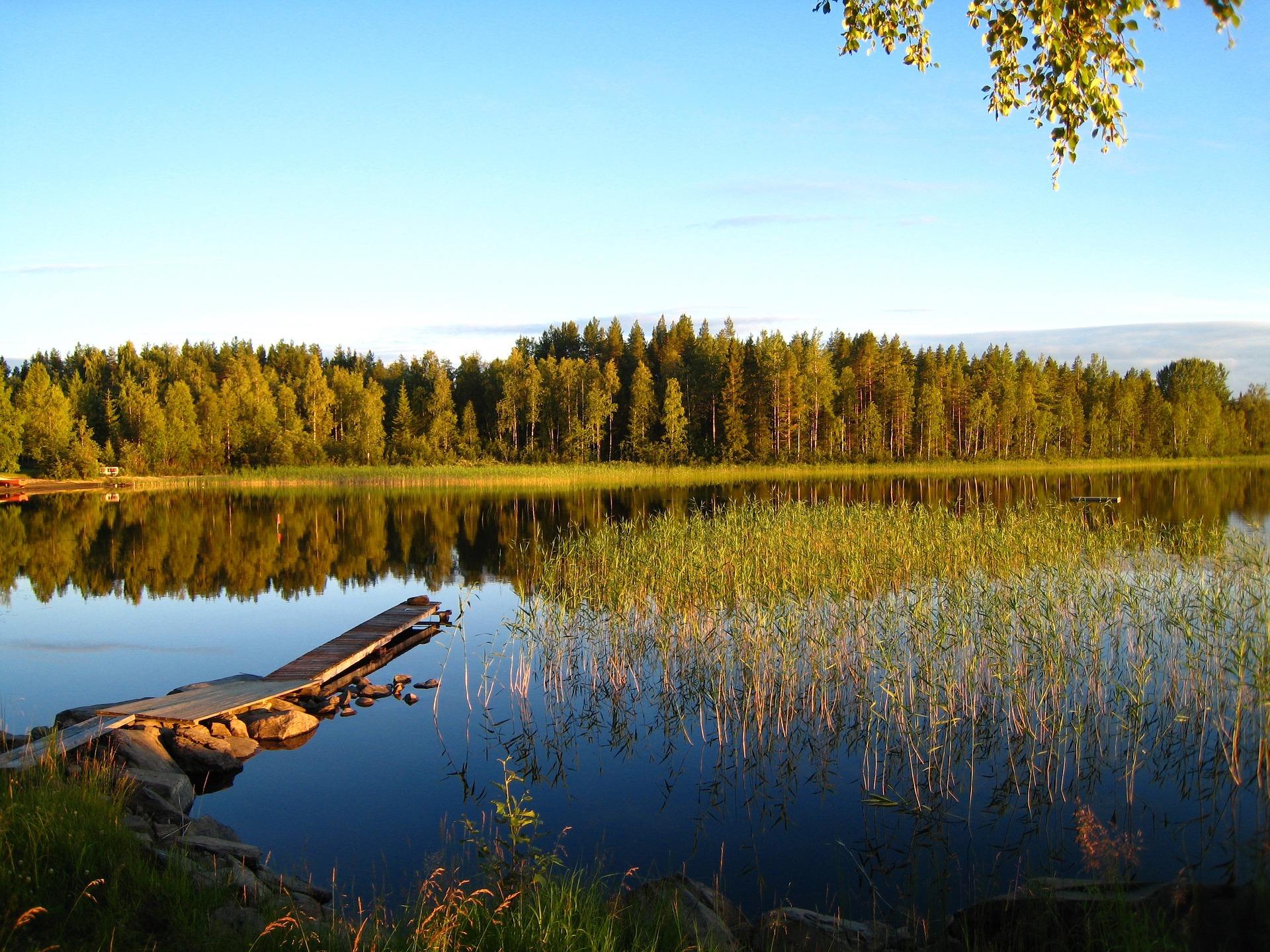 lake-1807725_1920