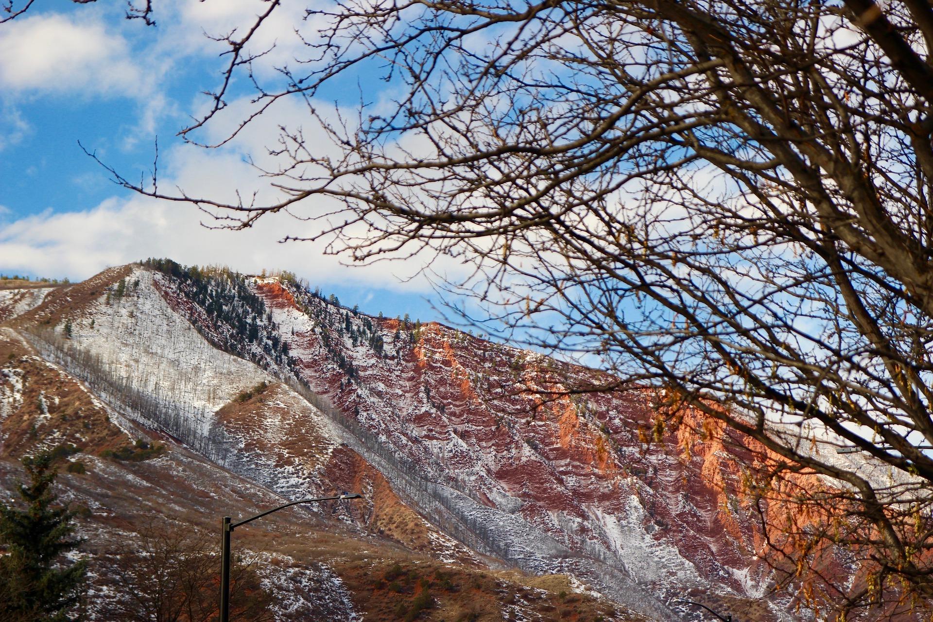 mountain-1686599_1920