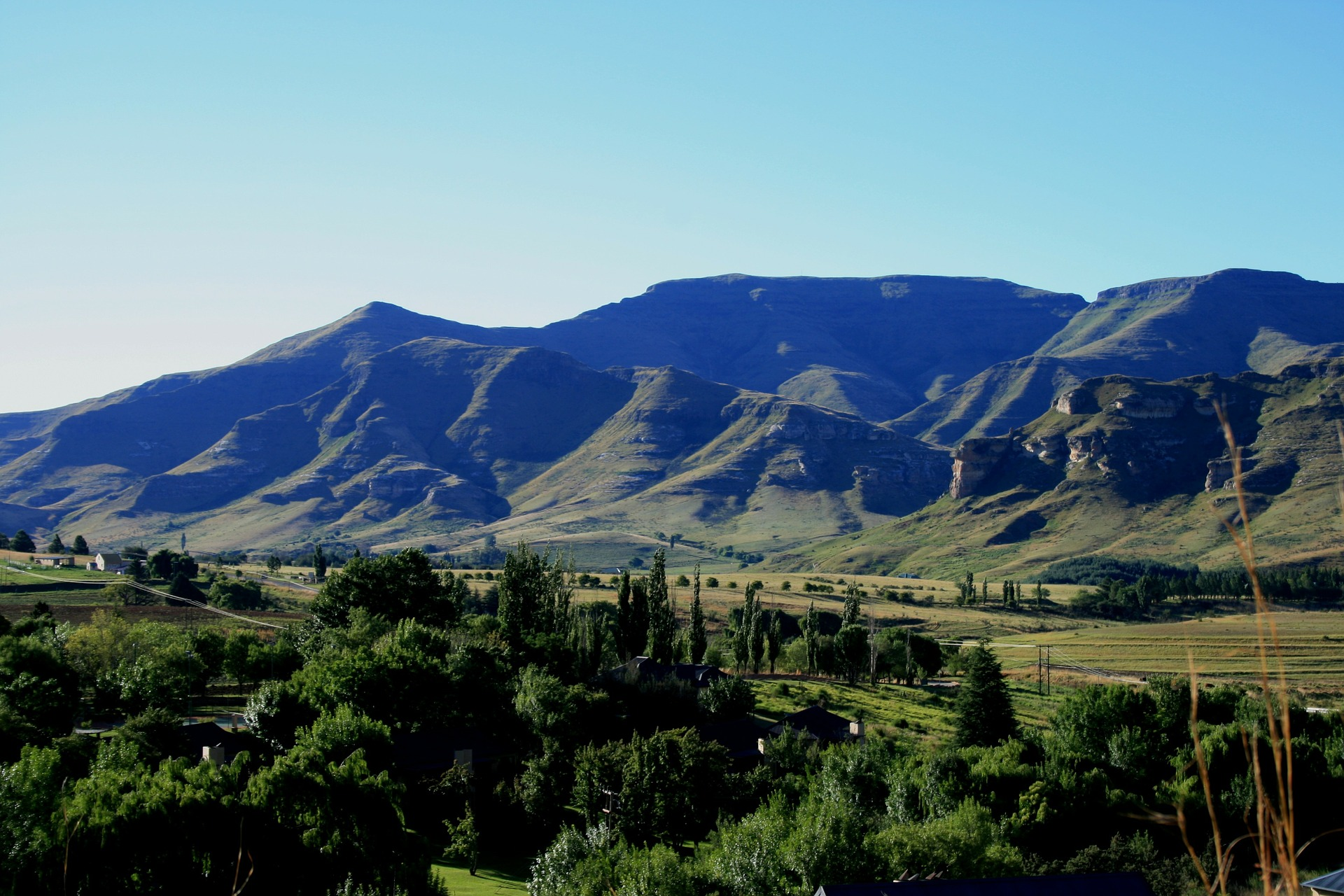 drakensberg-mountains-168203_1920