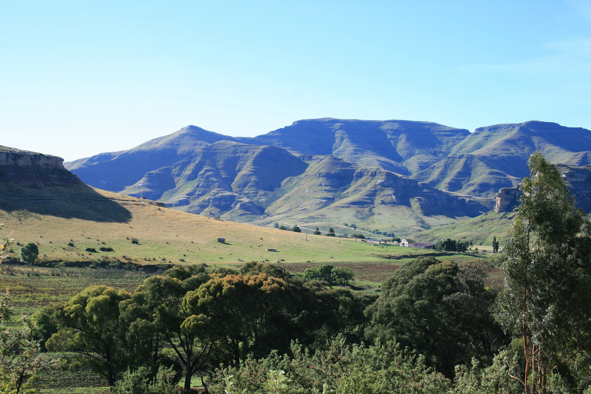 drakensberg-mountains-168213_1920