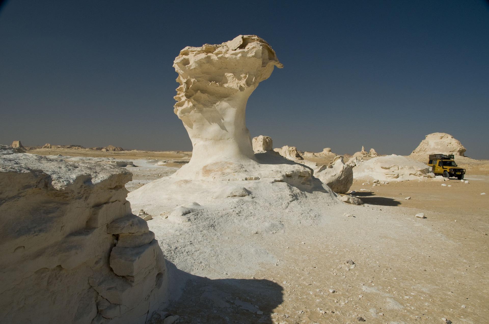 desert-657728_1920
