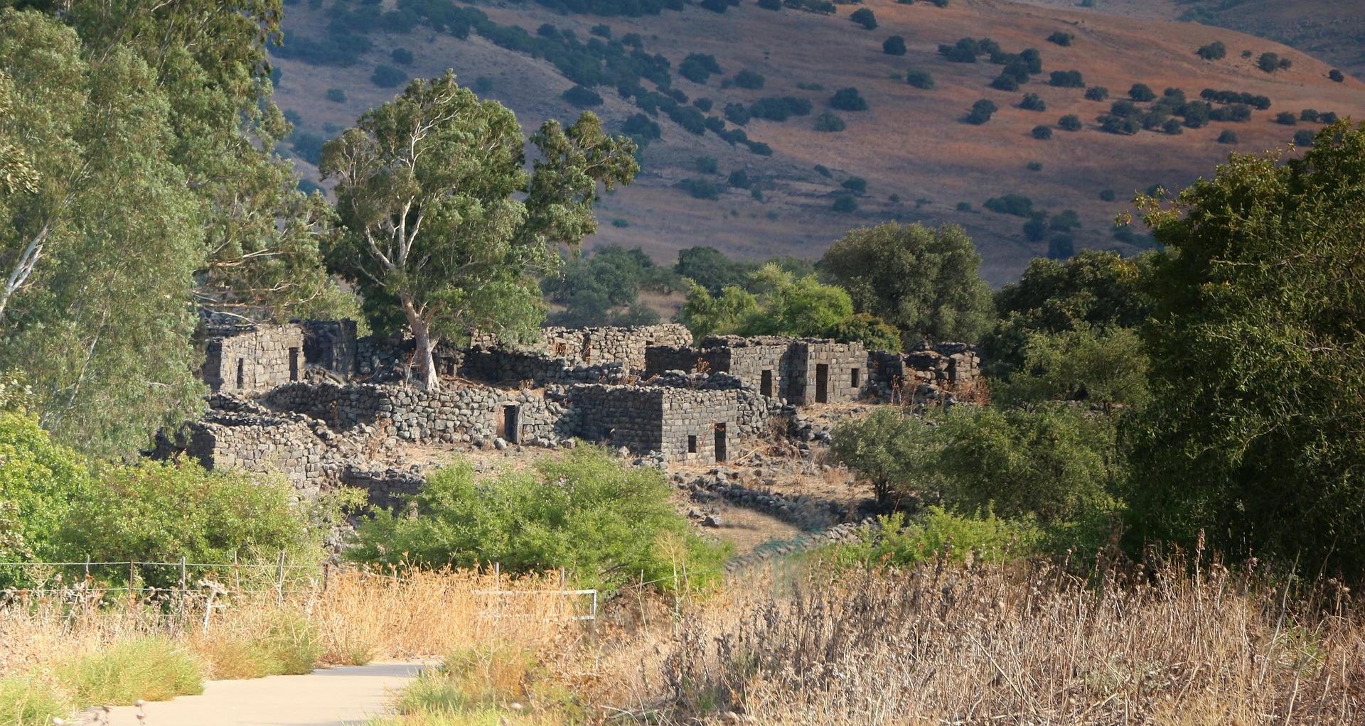 deserted-ruins-176906_1920
