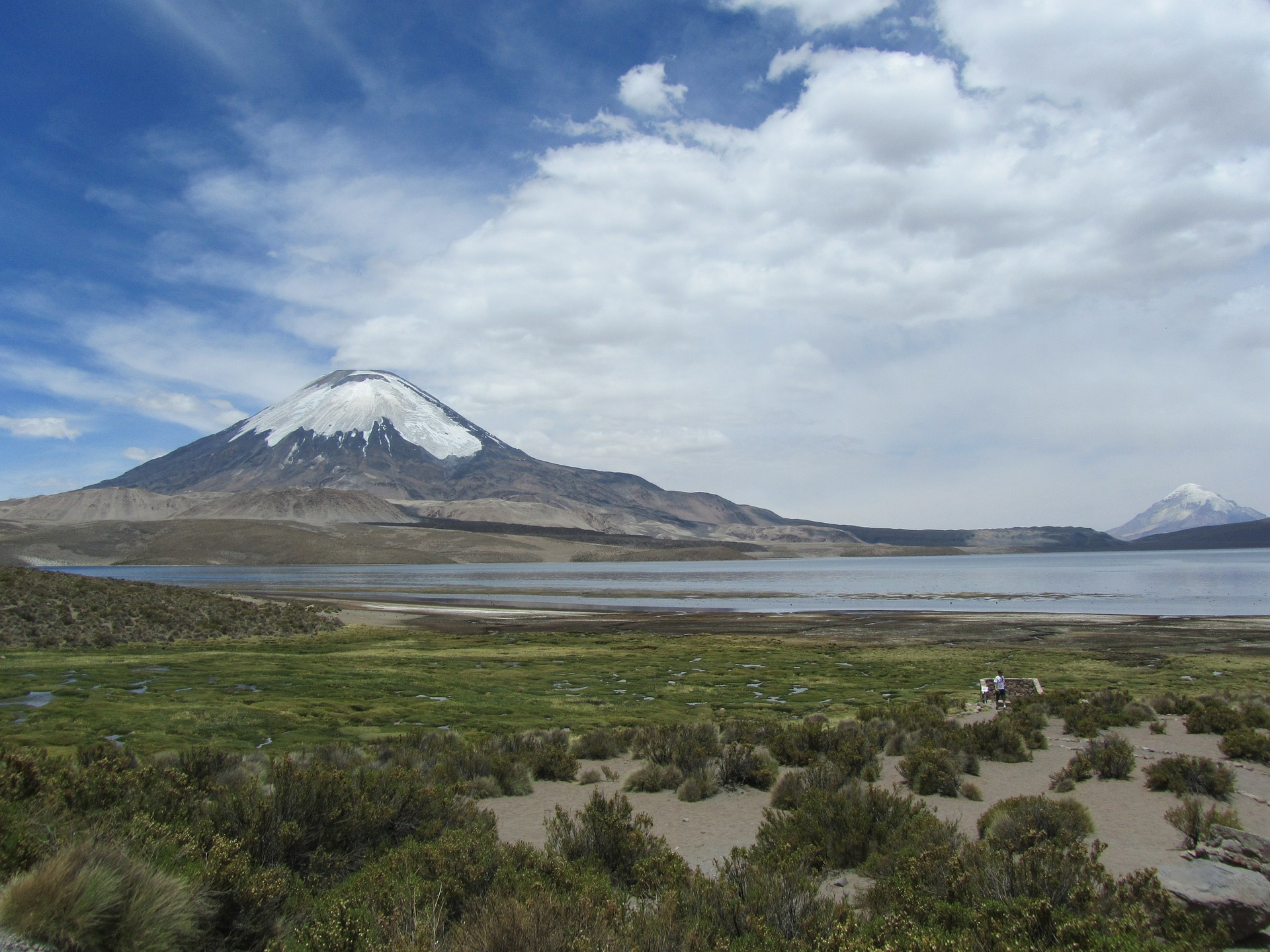 volcano-393348_1920