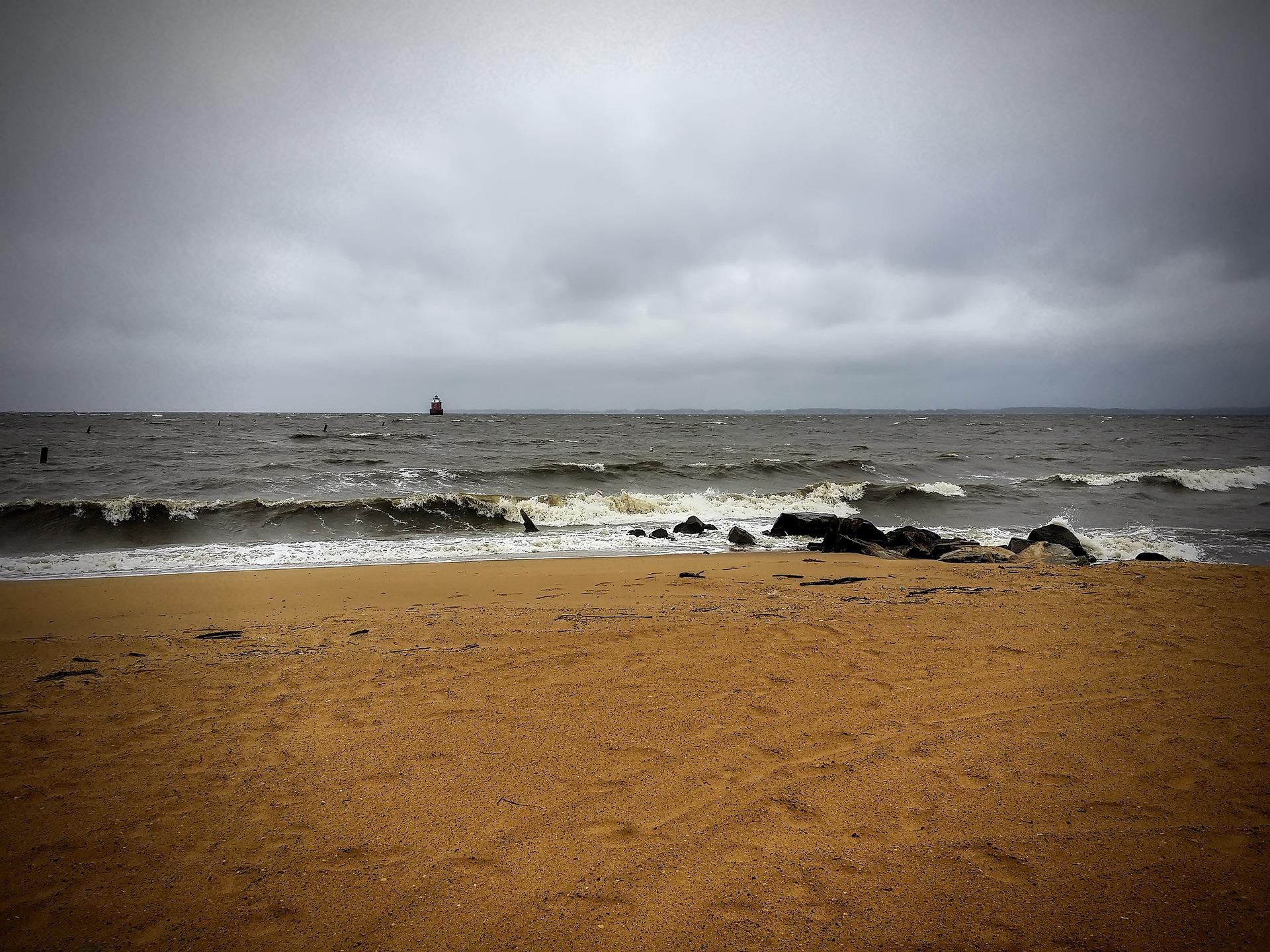 beach-461273_1920