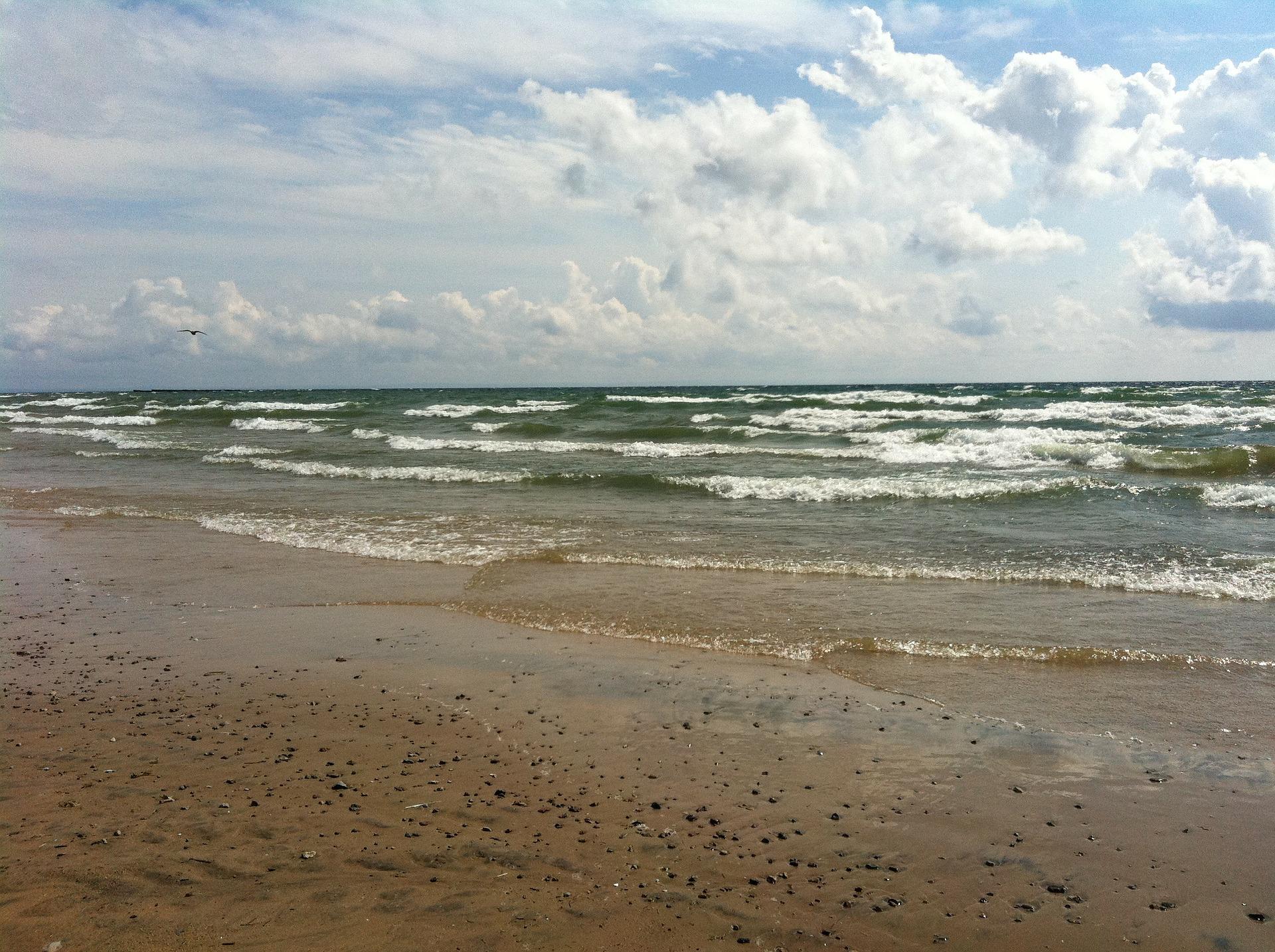 beach-76425_1920