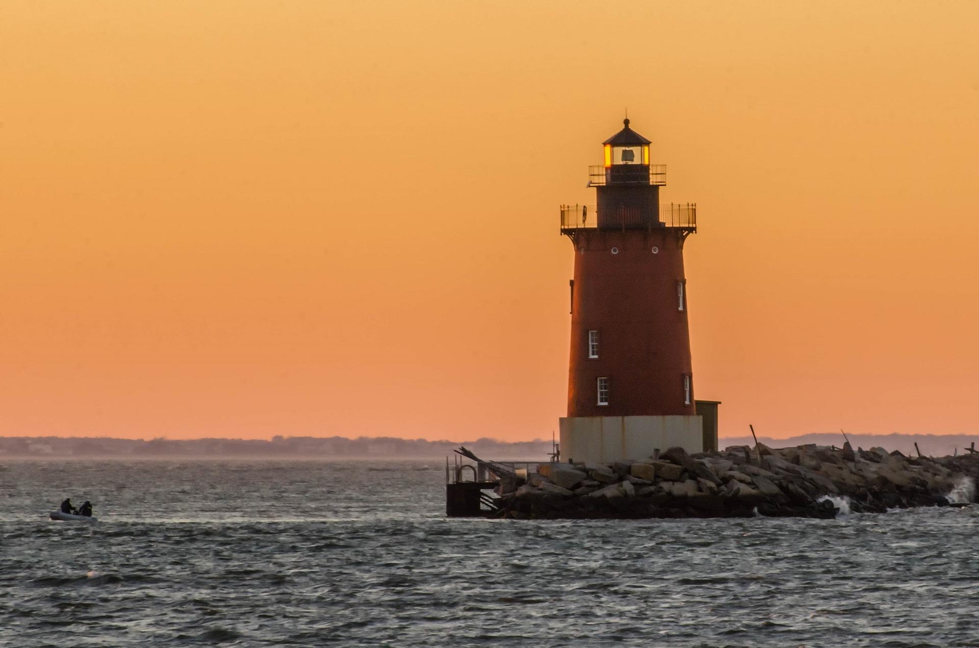 lighthouse-1938740_1920