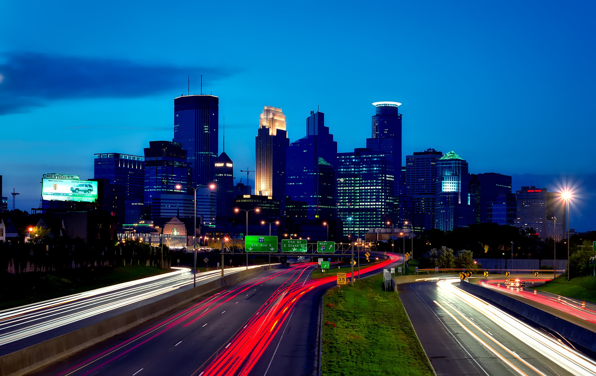 minneapolis-1632077_1920