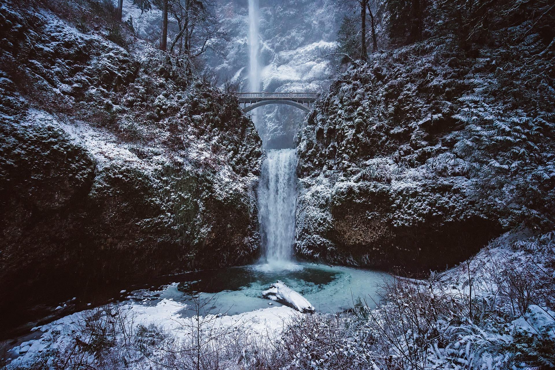 multnomah-falls-1899890_1920