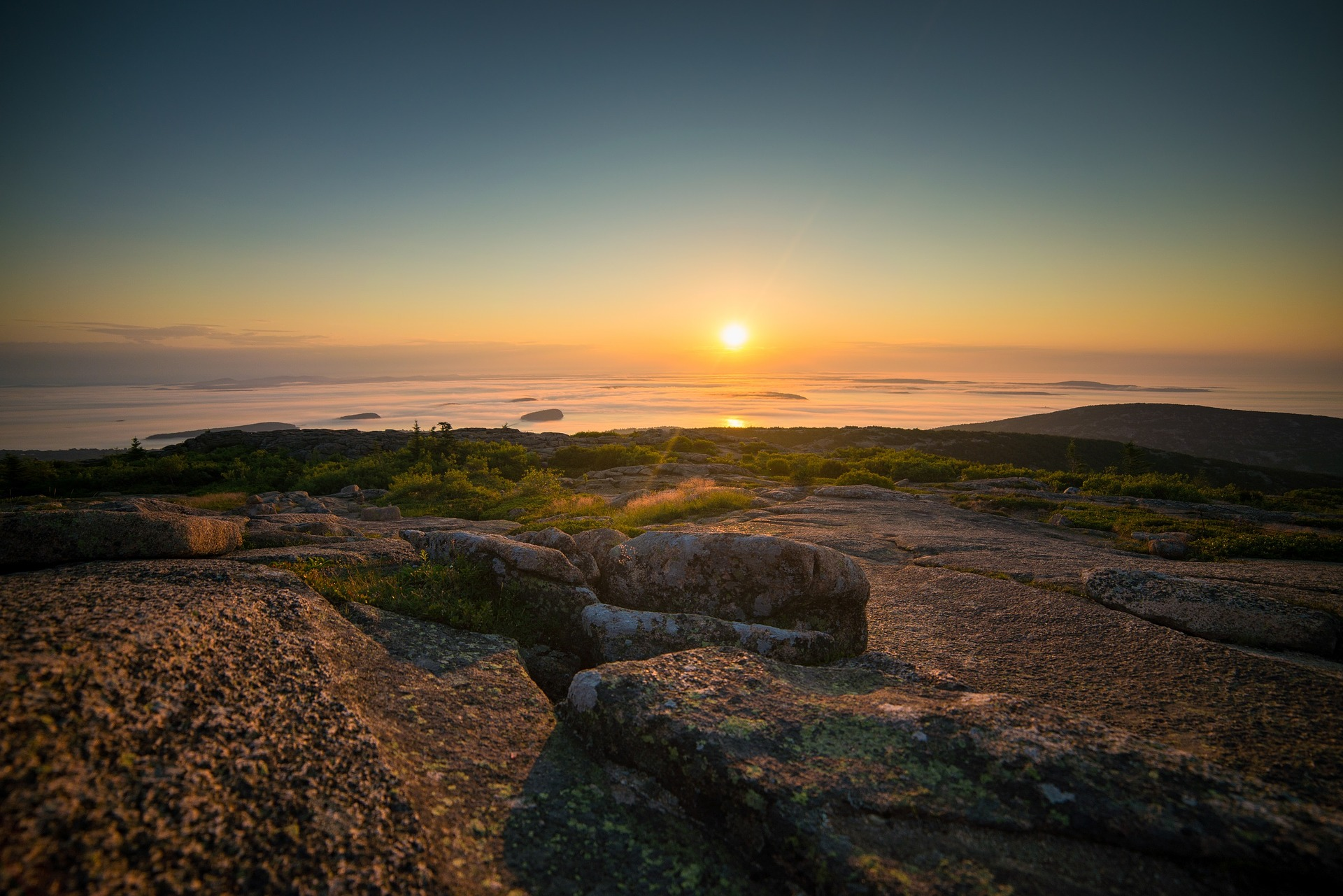 sunrise-2074431_1920