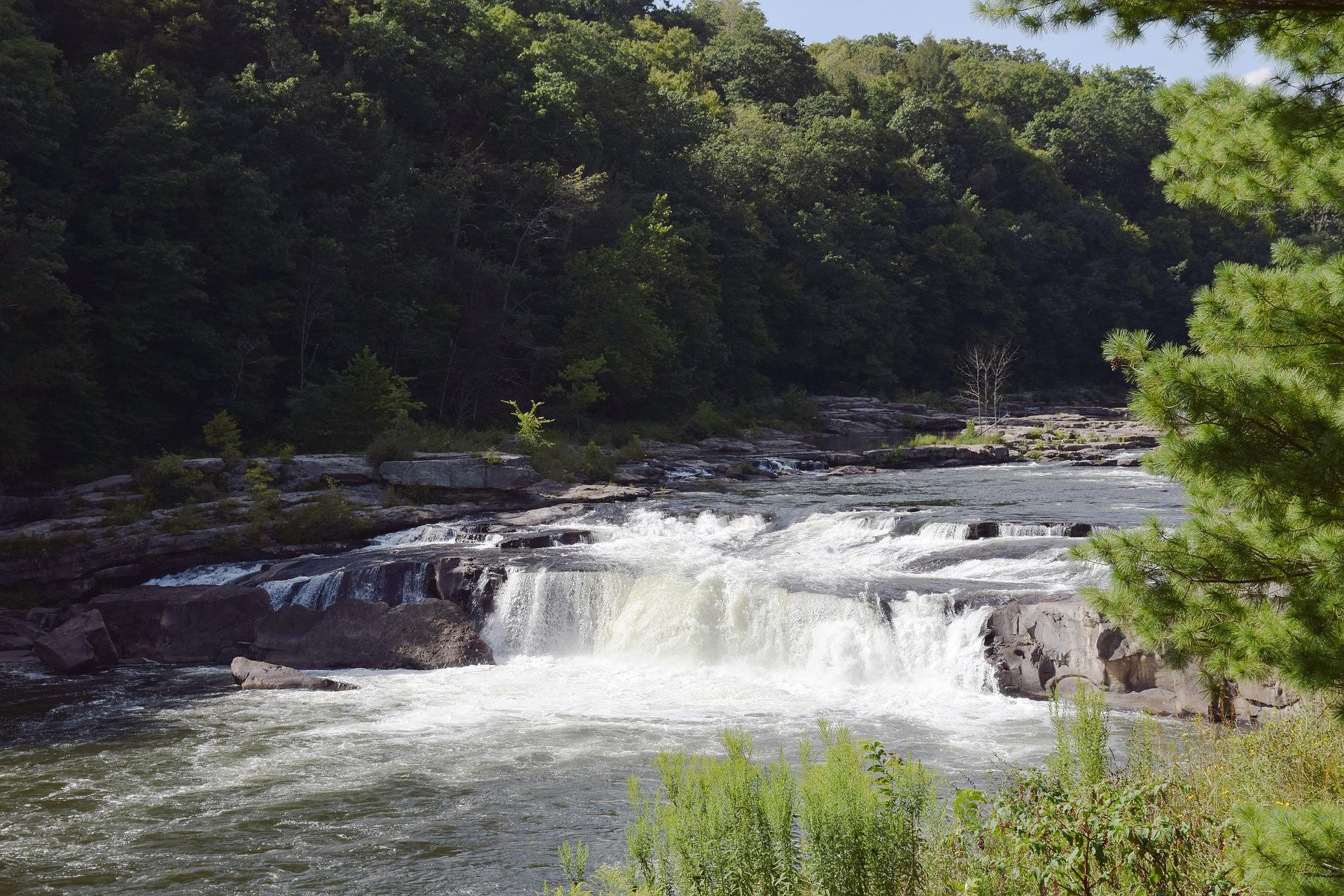 waterfall-2116485_1920
