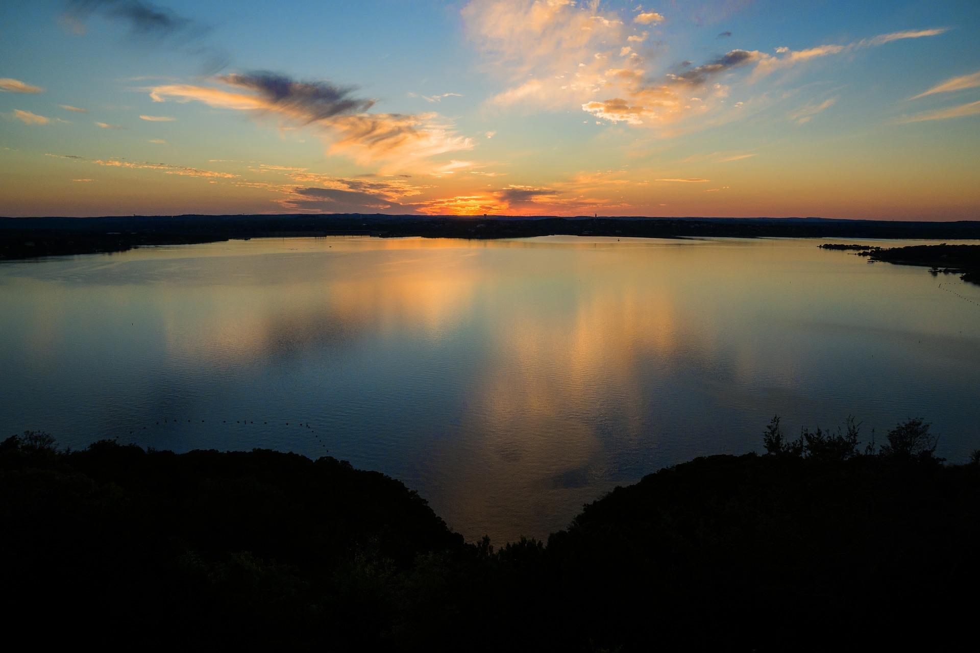 lake-travis-1832832_1920